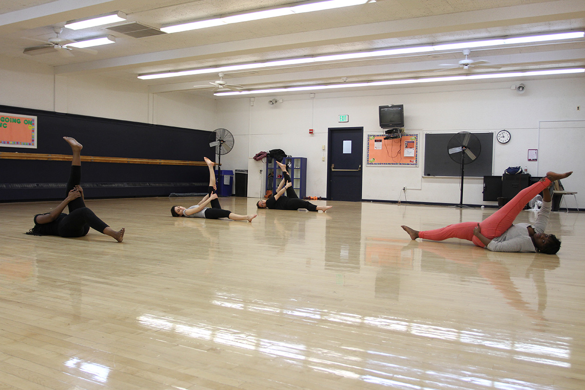 The end of the class means time to stretch. Photo by Gabriela Jeronimo.