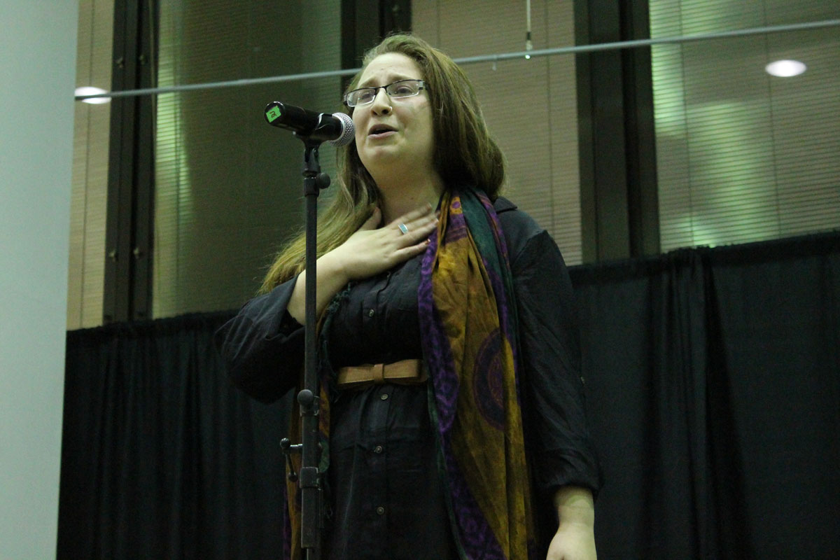 Bre Metcalf-Oshinsky performing. Photo by Audrey Brand.