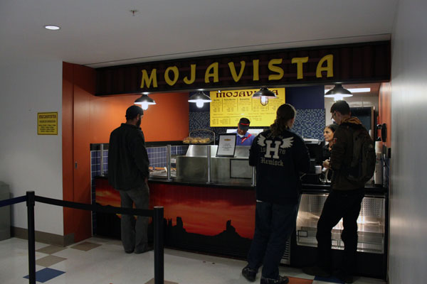 At Mojavista students can get nachos, quesadillas and tacos. Photo by Alicia Buczek.
