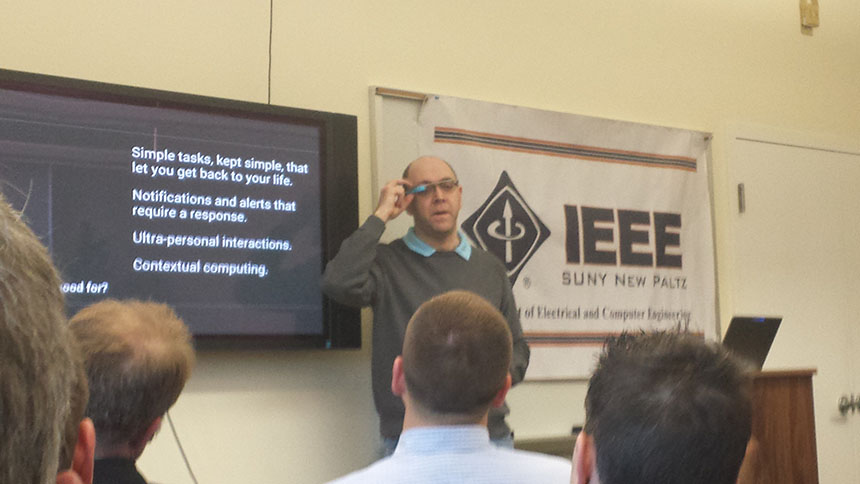 GDE Allen Firstenberg shows some features of Google Glass. Photo by Jennifer Newman.