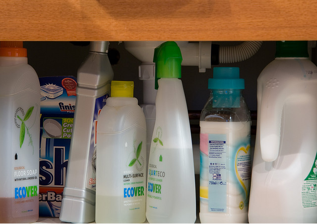 Mix of cleaning products.  Photo courtesy of Simon Greig, Flickr.com.