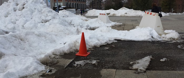 Snow a cause for campus safety concerns. By Jennifer Newman.