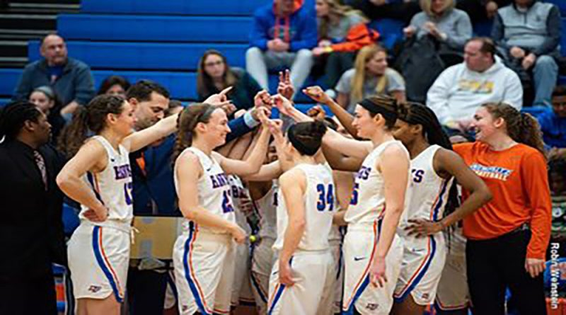 SUNY New Paltz Women's Basketball Holds Off RIT to Clinch 83-80 Season-Opening Win